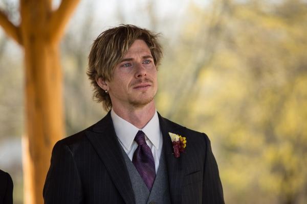 groom-seeing-bride-coming-down-isle.jpg