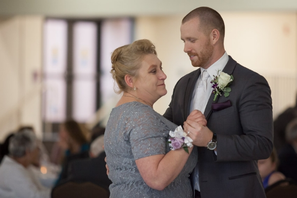 mother-and-son-dance-nashville-wedding-photography.jpg