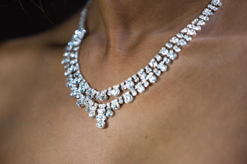 brides-necklace-nashville-wedding-photography.jpg