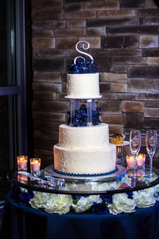 gorgeous wedding cake at The Lodge Wedding