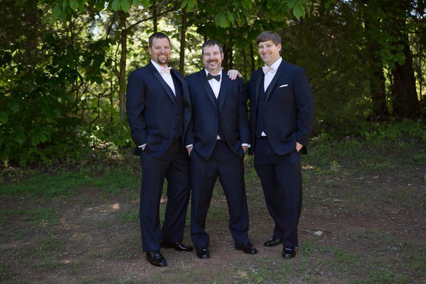 groom-and-groomsmen-loveless-cafe-wedding.jpg