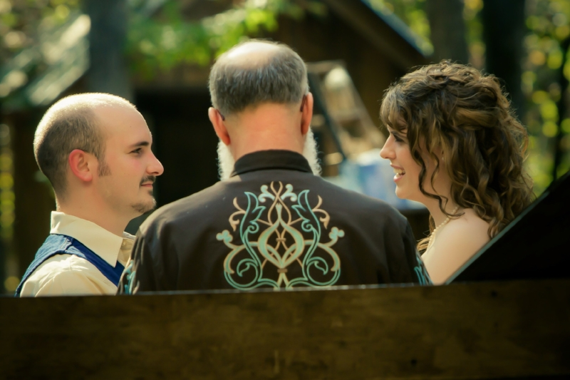 barn-wedding-bride-and-groom-vows.jpg