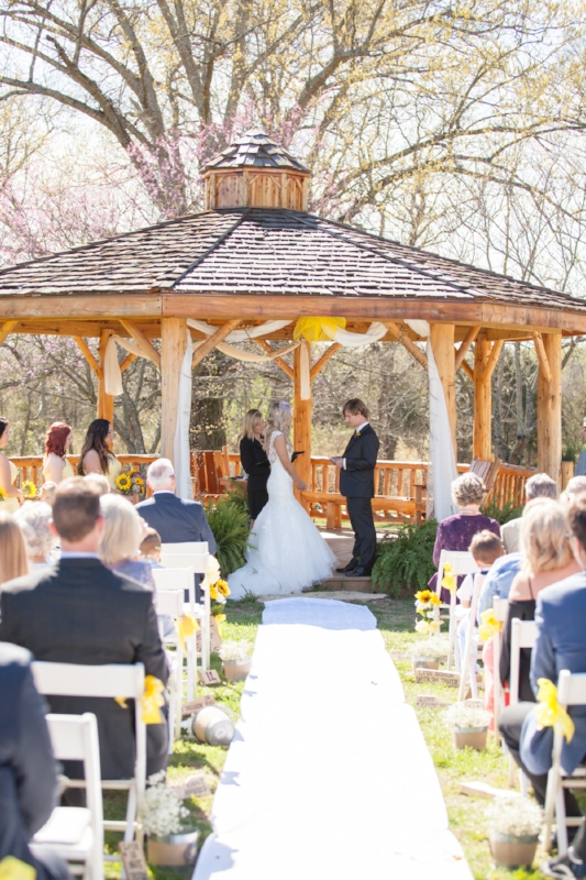 We love when couple write their own vows.