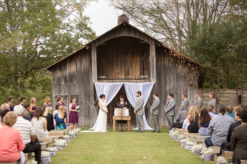 barn-wedding-nashville-smiley-hollow.jpg