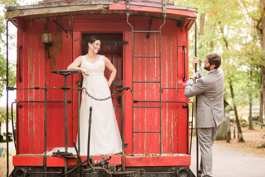 smiley-hollow-wedding-nashville-wedding-photographer.jpg