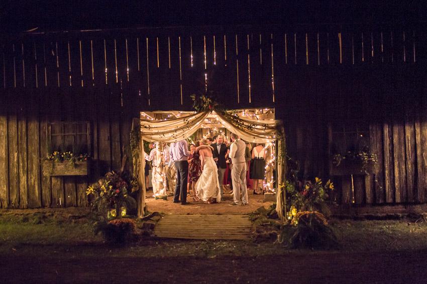 barn-wedding-nashville-tennessee-wedding-photographers.jpg
