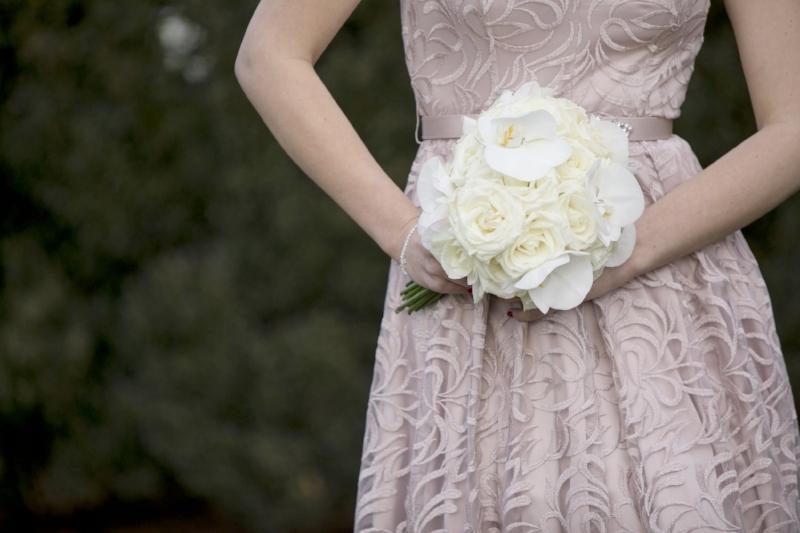 white-bridal-bouquet-lillies.jpg