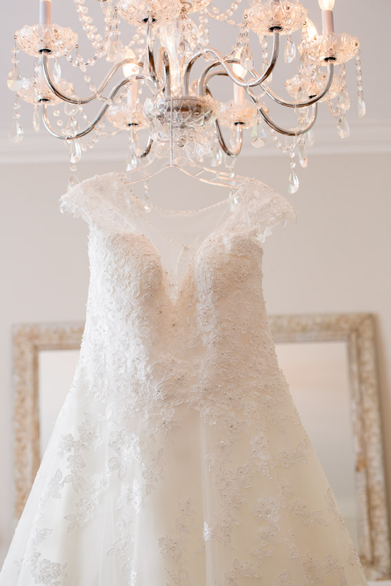 melissa-and-bond-wedding-sneak-peak-blog-0004.jpg