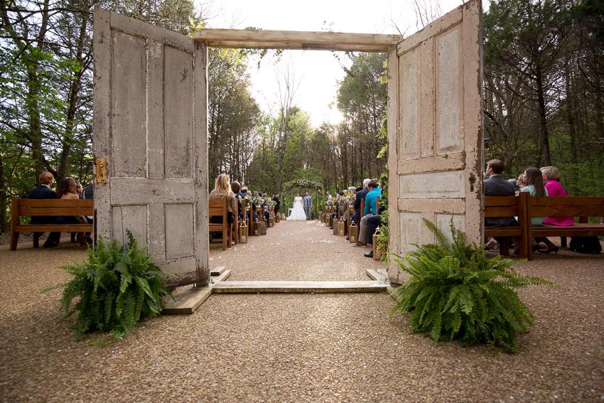 melissa-and-bond-wedding-sneak-peak-blog-0029.jpg