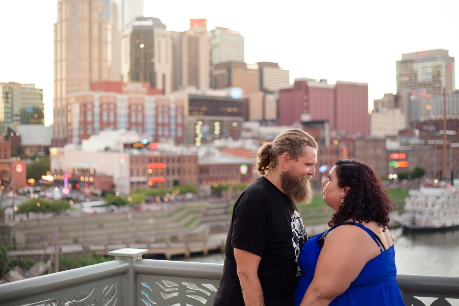 Pedestrain-bridge-nashville-engagement-session.jpg