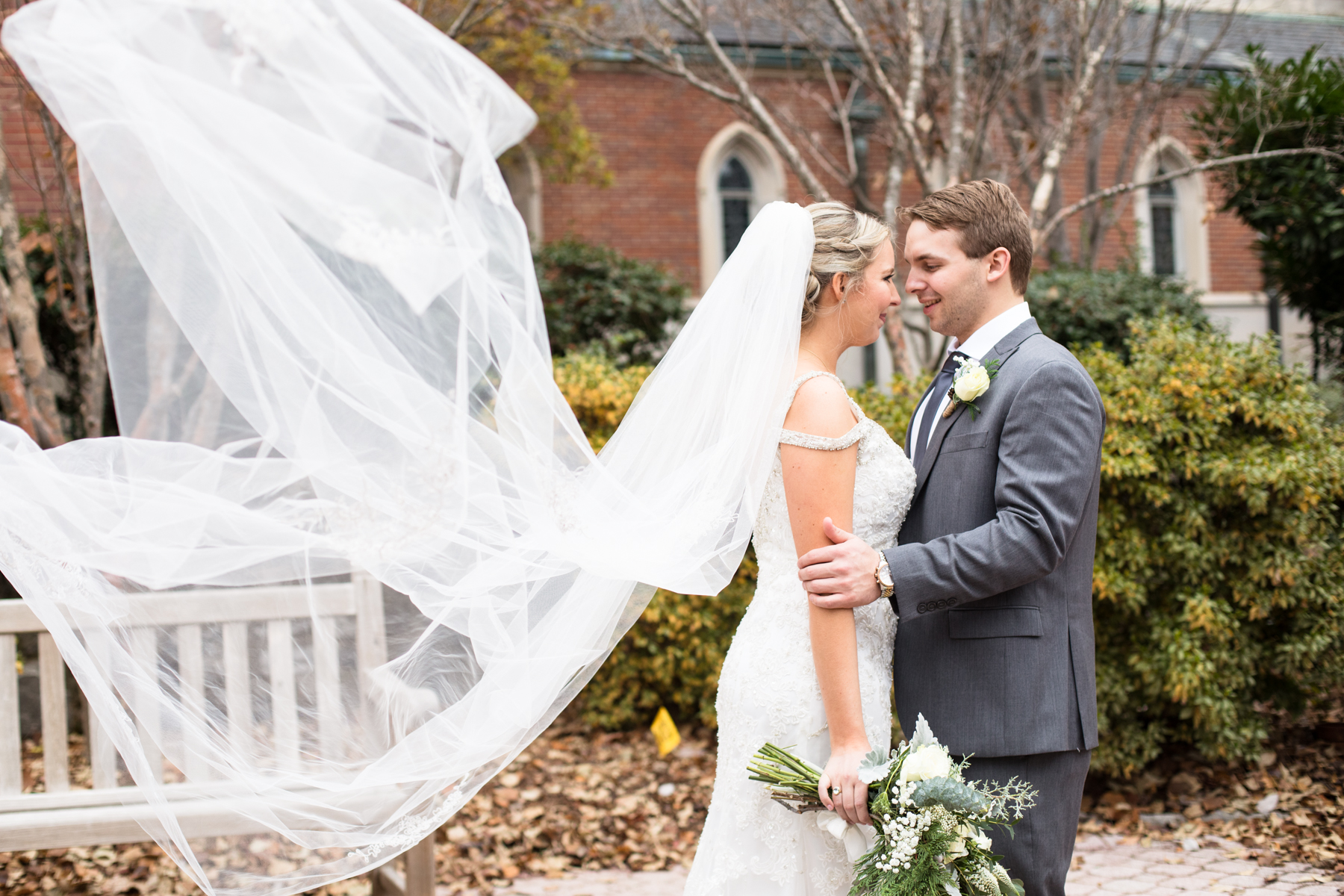 Kelli-and-Matt-Nashville-Wedding-Sneak-Peak-0131.jpg