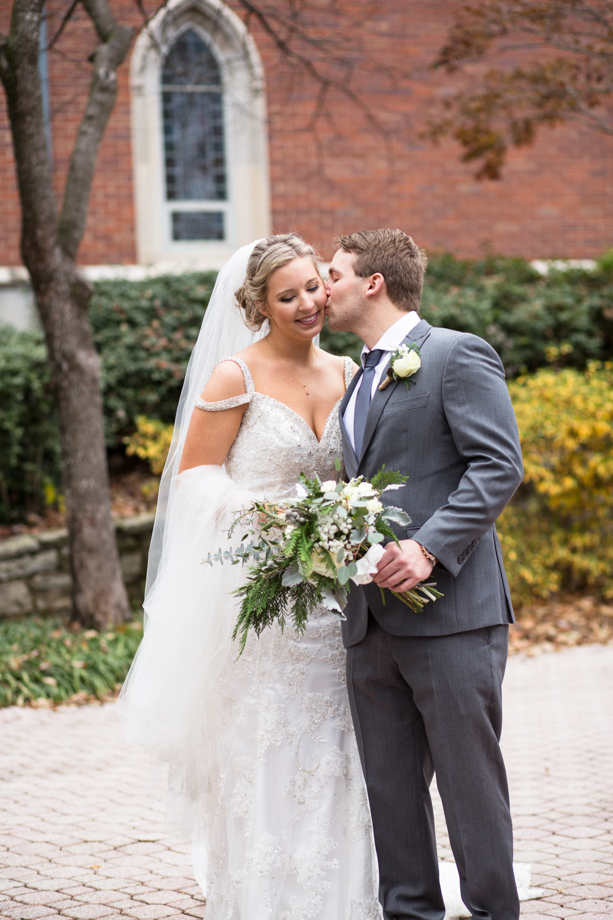 Kelli-and-Matt-Nashville-Wedding-Sneak-Peak-0136.jpg
