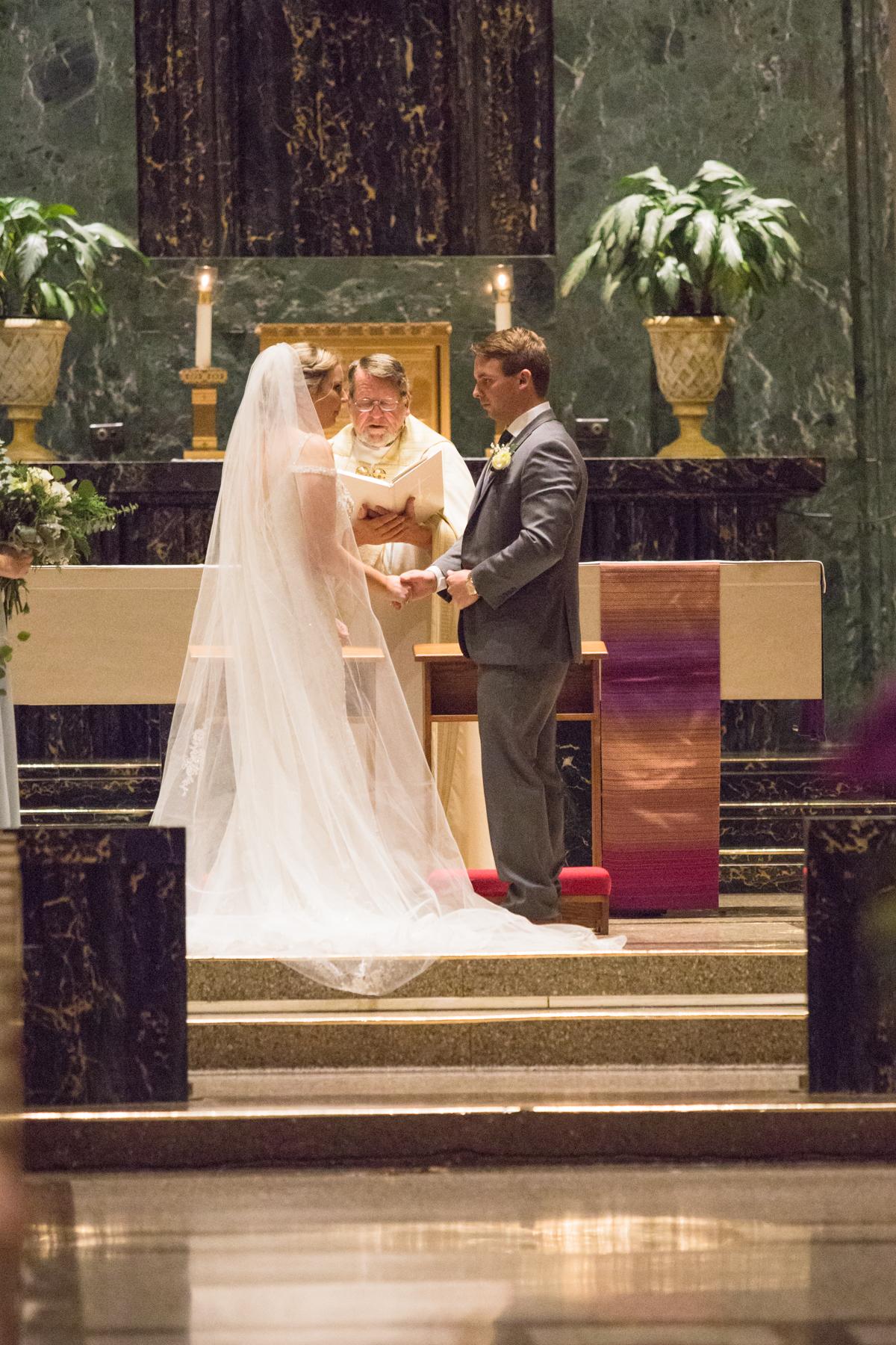 Kelli-and-Matt-Nashville-Wedding-Sneak-Peak-0238.jpg