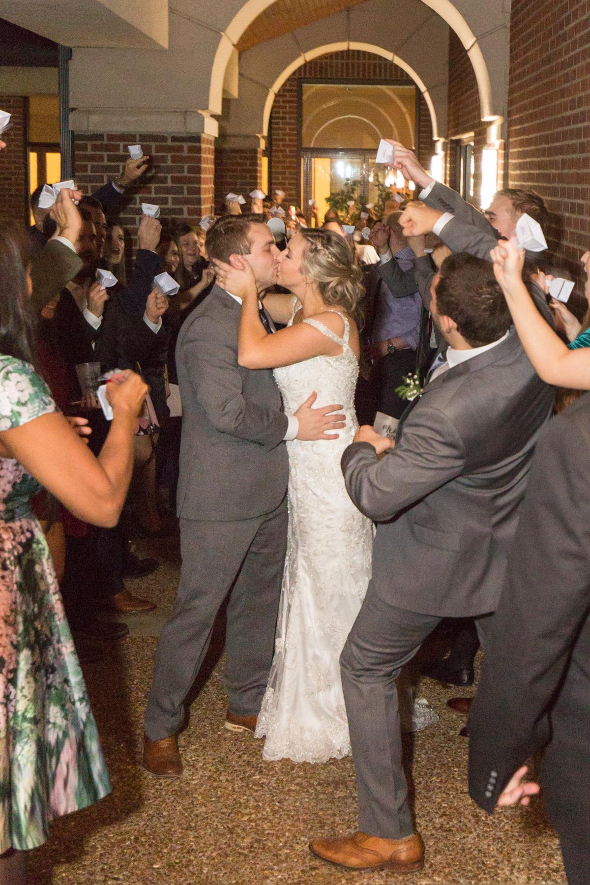 Kelli-and-Matt-Nashville-Wedding-Sneak-Peak-0320.jpg