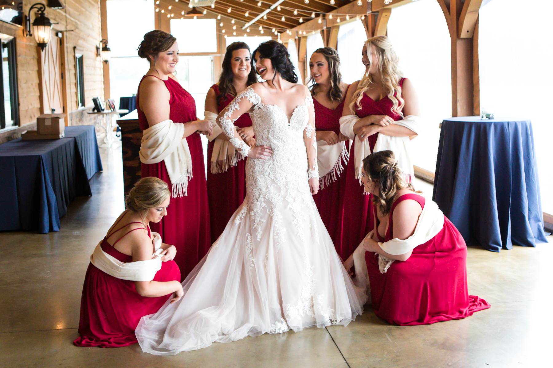 bride-and-her-bridesmaids-barn-at-sycamore-farms.jpg