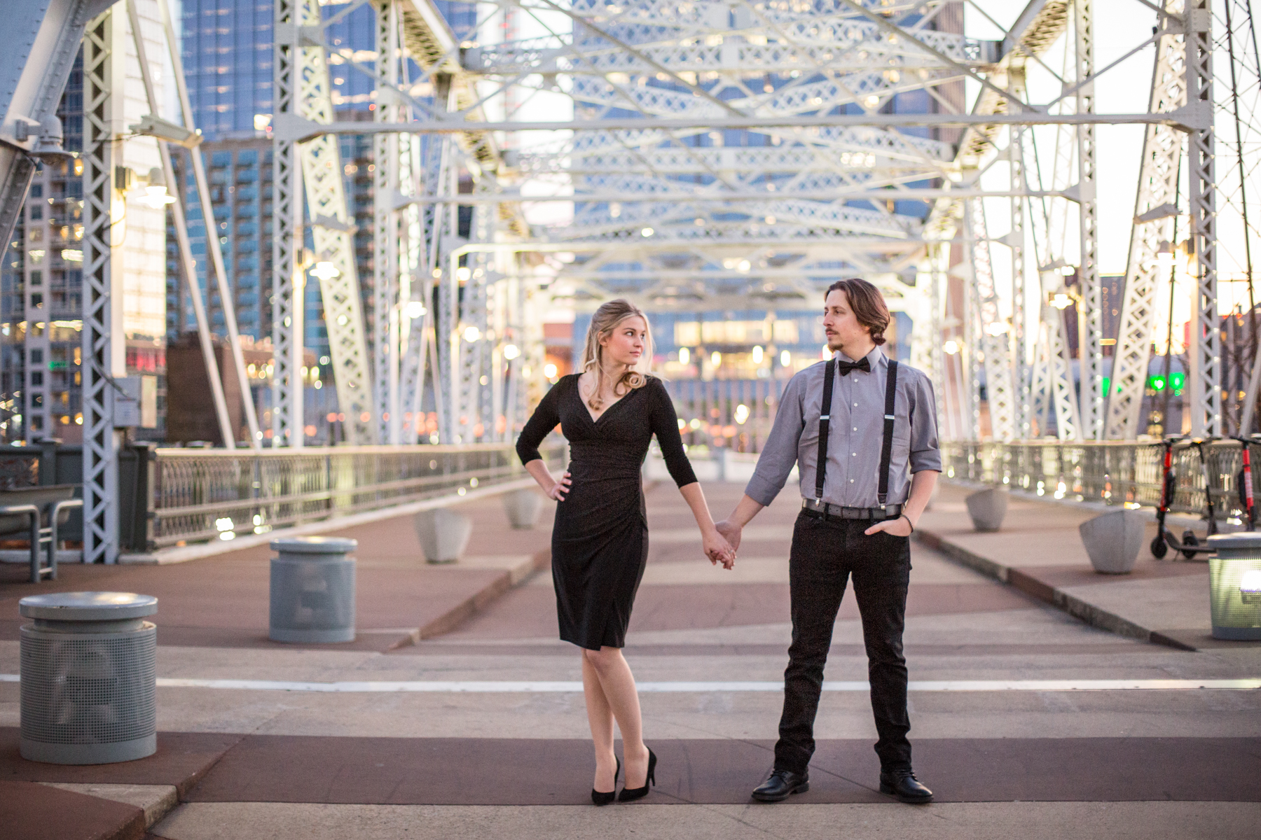 nashville-pedestrian-bridge-engagement-photos.jpg