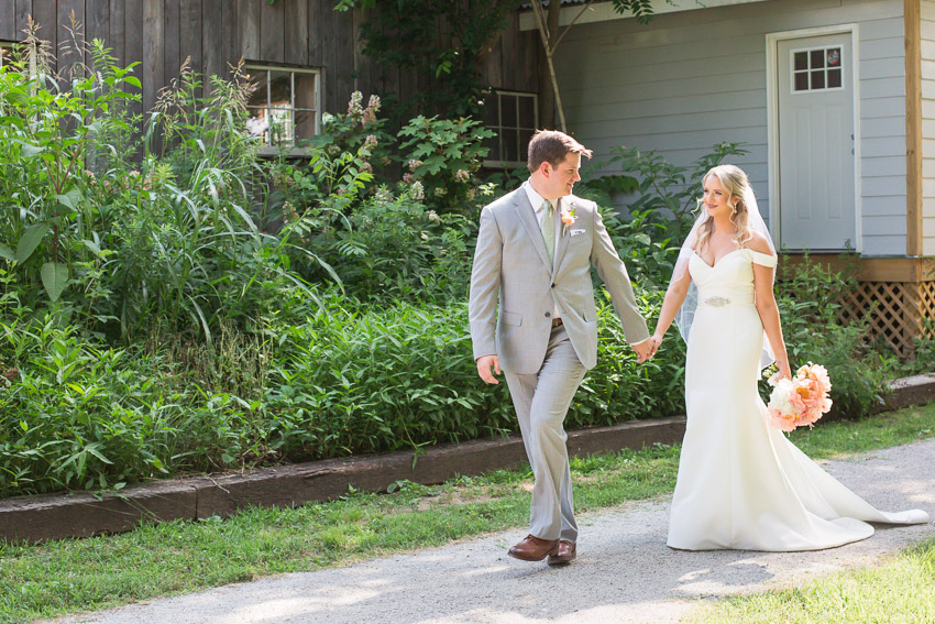 Meadow-Hill-Farm-Wedding-Meghan-and-Chris-0225.jpg