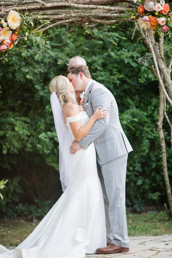 Meadow-Hill-Farm-Wedding-Meghan-and-Chris-0335.jpg