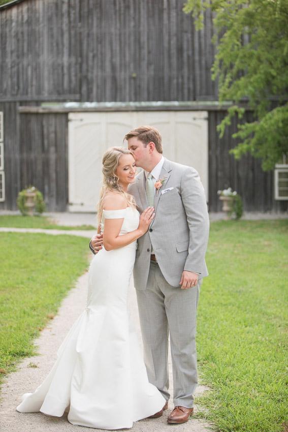 Meadow-Hill-Farm-Wedding-Meghan-and-Chris-0383.jpg