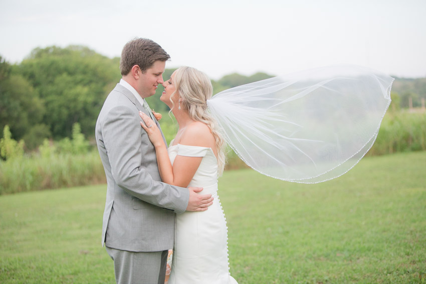 Meadow-Hill-Farm-Wedding-Meghan-and-Chris-1030.jpg