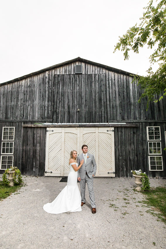 Meadow-Hill-Farm-Wedding-Meghan-and-Chris-1070.jpg