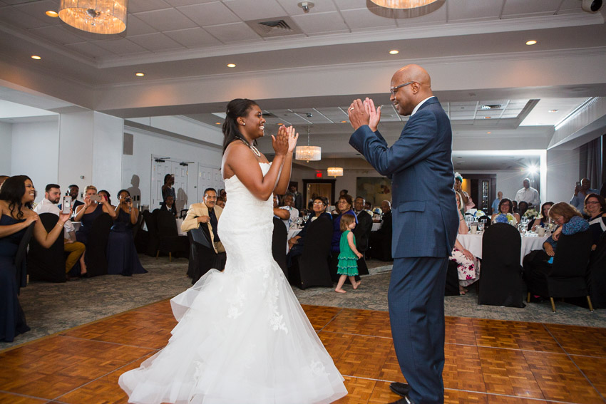 Bride and Dad dancing to Uptown Funk!
