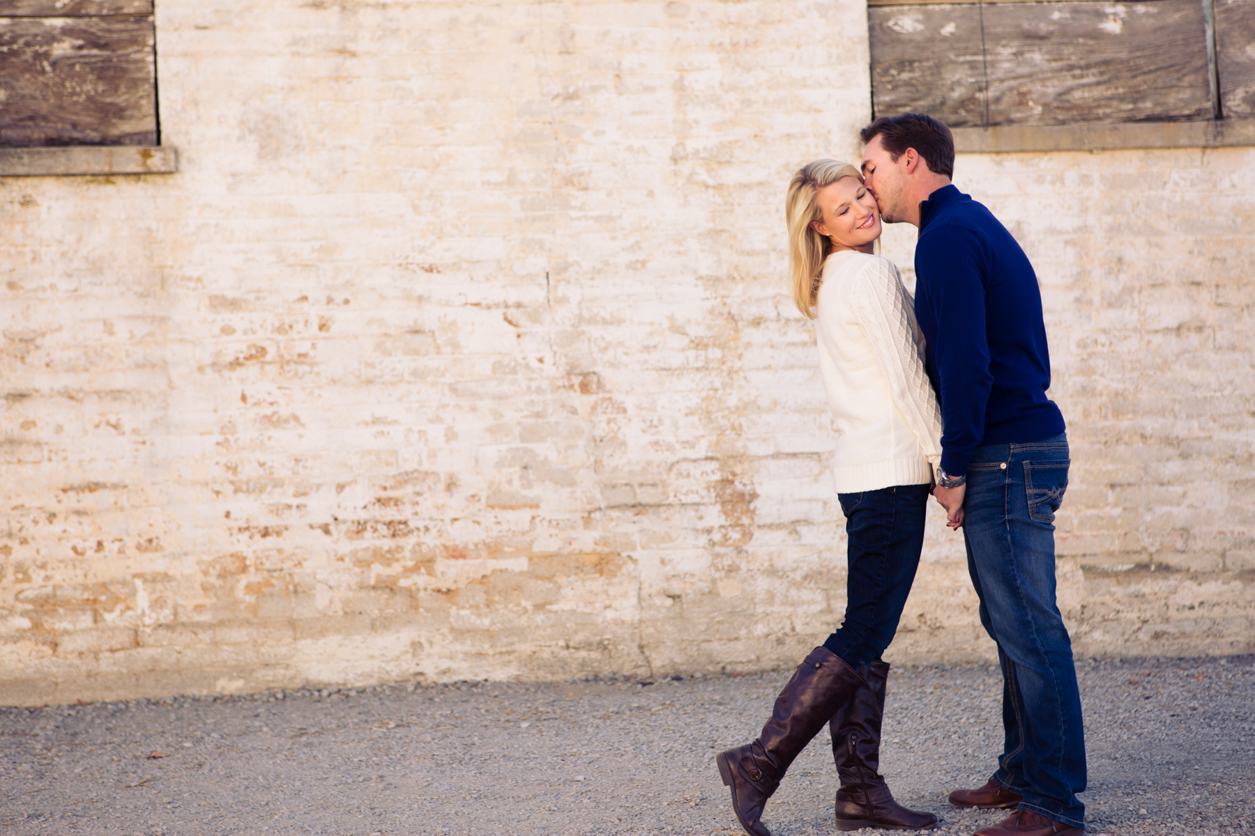 Couples Session$325 - Up to 2 hour sessionOutfit ChangePassword Protected Online GalleryUp to 150 images from your sessionEdited digital Negatives with Printing ReleasePassword Protected Online Gallery