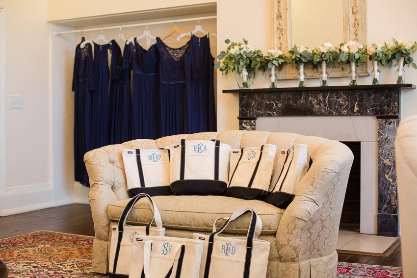 Ravenswood-Mansion-Wedding-Mia-and-Greg-0028.jpg