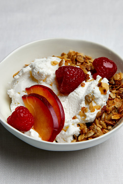 MILK & HONEY GRANOLA