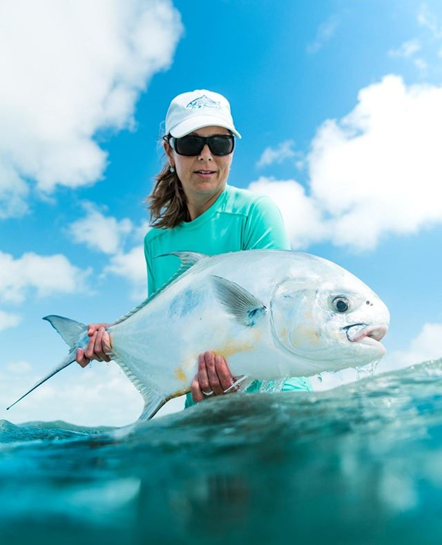 Friday Fish Vibes: Mel Betts gettin' it done with a nice permit in Belize. ⠀ ⠀ #kansasoutdoorcorps #belize #flyfish #permitfishing #onthefly  #fishing #catchandrelease #girlswhofish #outdoorwomen # #travel #centralamerica #explorebelize #ocean #fish #saltwaterfishing