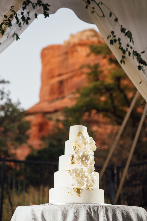 gold and white floral wedding cake.jpg
