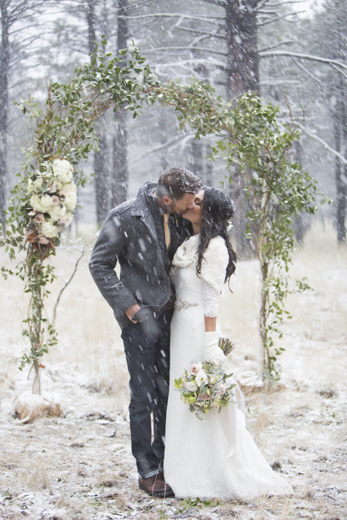 snowy wedding.jpg