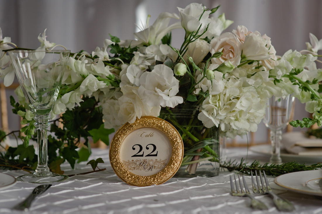 white and gold centerpieces.jpg