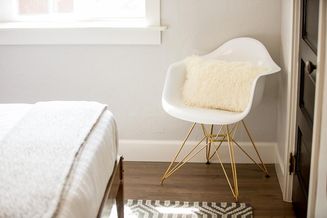 midcentury chair.jpg