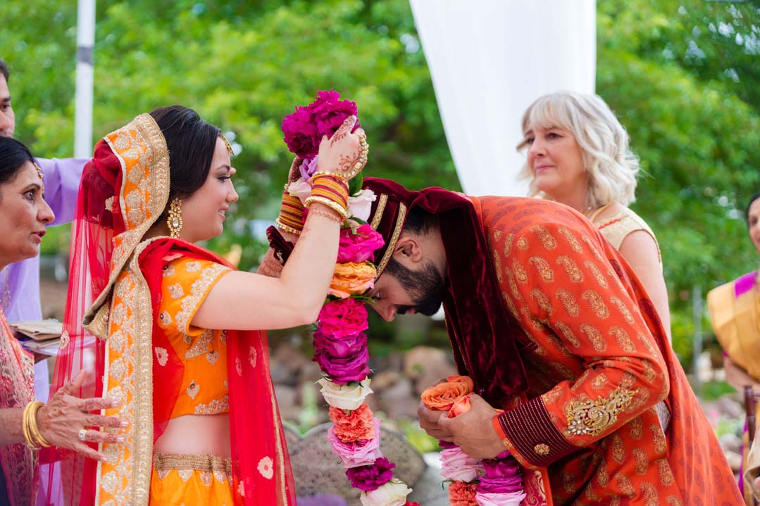 indian wedding garland.jpg
