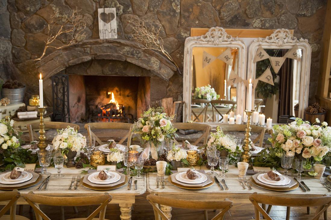 winter wedding table.jpg