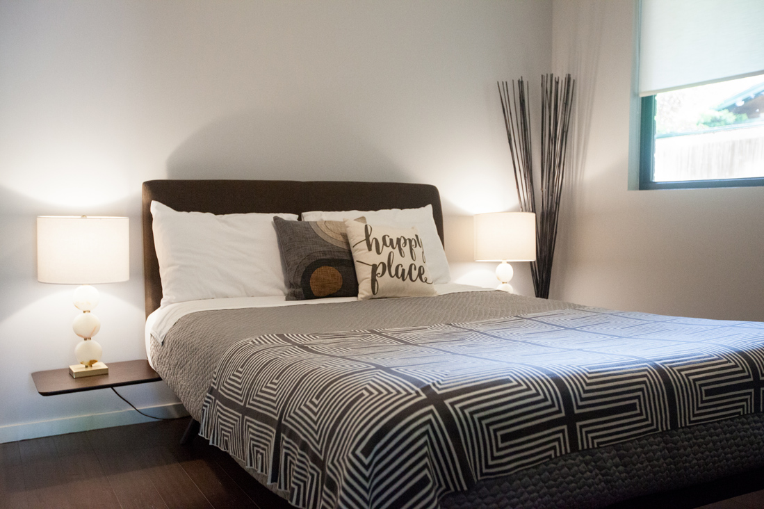 midcentury bed.jpg