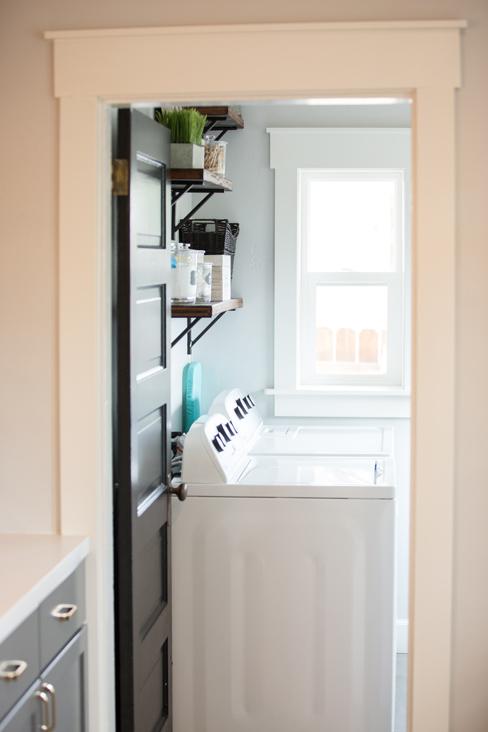 cute laundry room.jpg