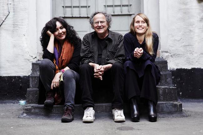 Mahsa Vahdat, Georg Riedel och Sarah Riedel. Foto: Re:Orient