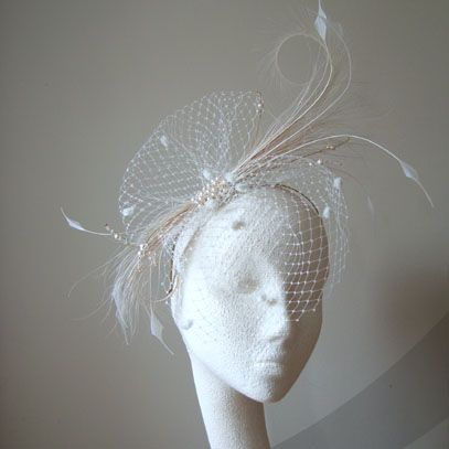 fascinator%20mia%20feather%20and%20veil.jpg