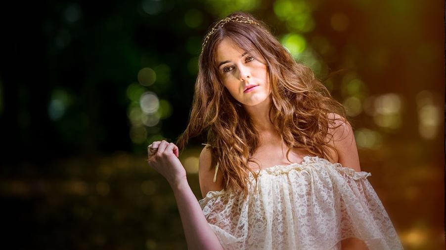 ciara-bridal-wedding-hair-v.jpg