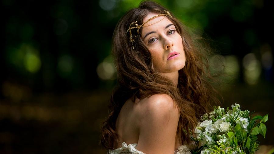 selena-gold-bridal-hair-vin.jpg