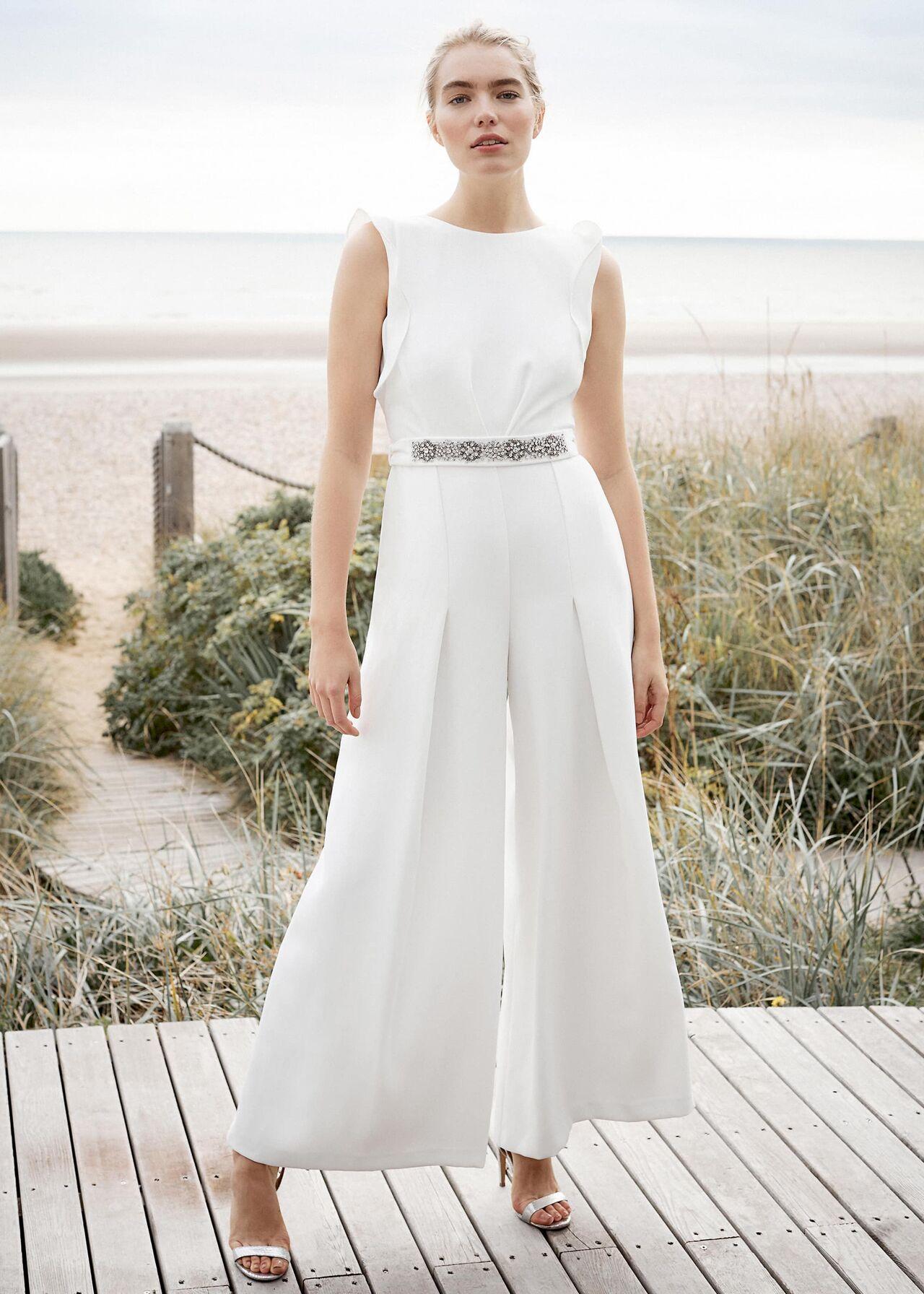 206292106-01-victoriana-bridal-jumpsuit.jpg