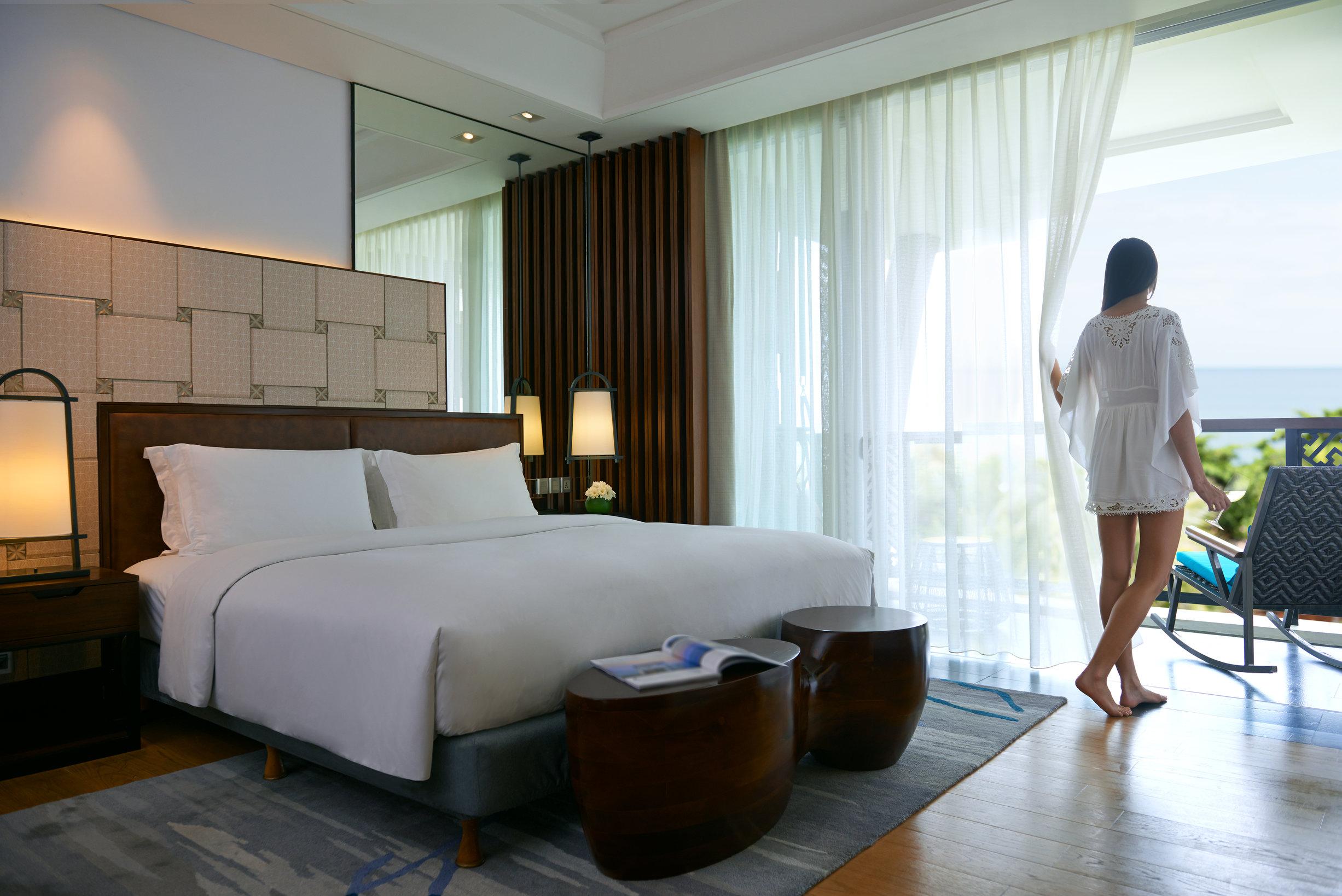 rsz_luxury_room.jpg