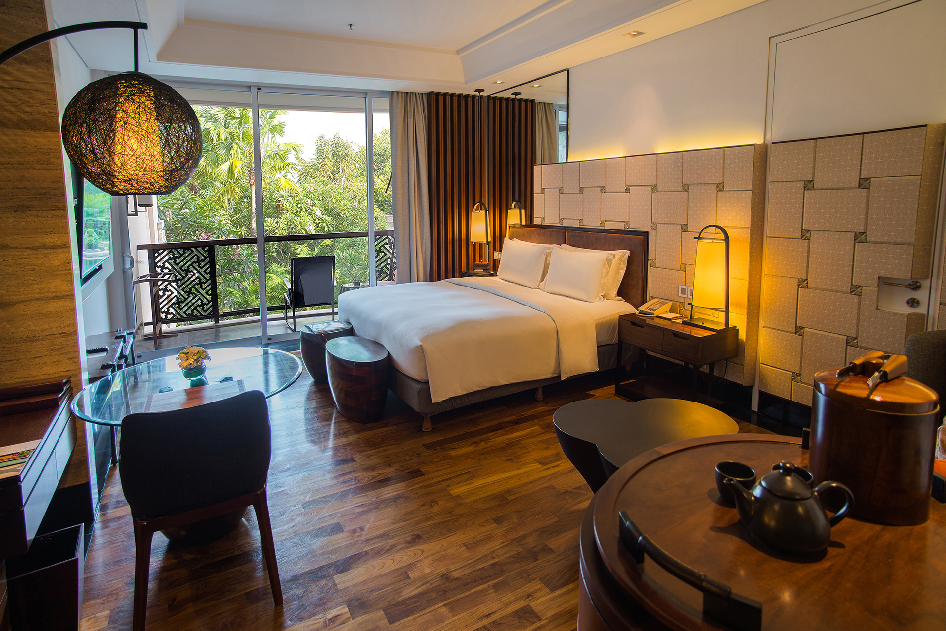 Luxury-Room-(King-Size)-Lagoon-View.jpg