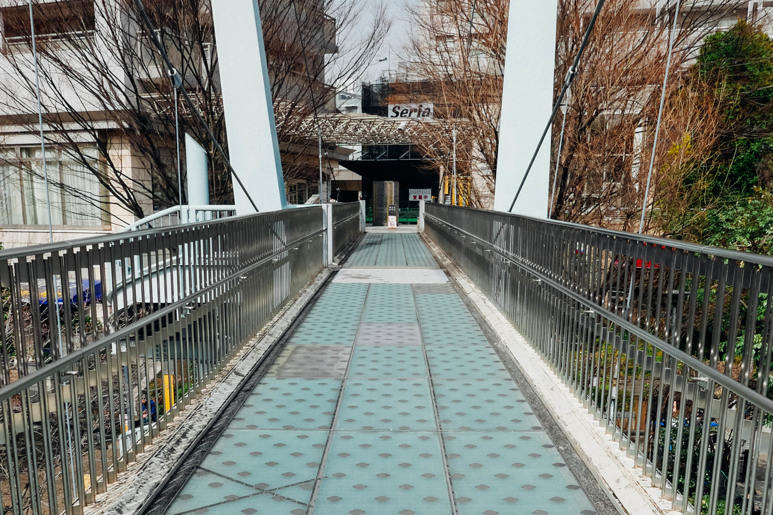daikanyama-station-bridge.jpg