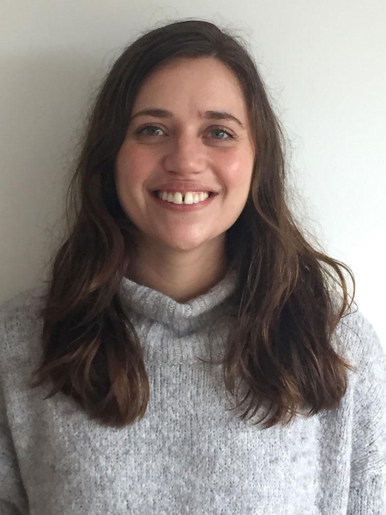 Emilie - Emilie har arbejdet indenfor specialområdet i 8 år som bl.a. støttekontaktperson og voksenvejleder og har derigennem bred erfaring med relationsarbejde.