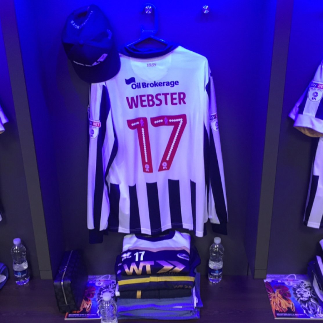 Wembley Dressing Room: Byron Webster Millwall FC Shirt and  Foxberry Boys Navy FXB Snapback