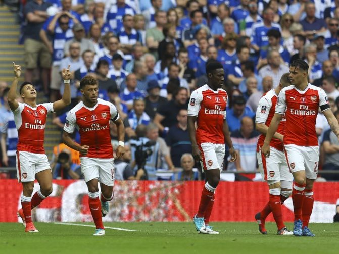 Arsenal Striker Alexis Sanchez celebrates opener