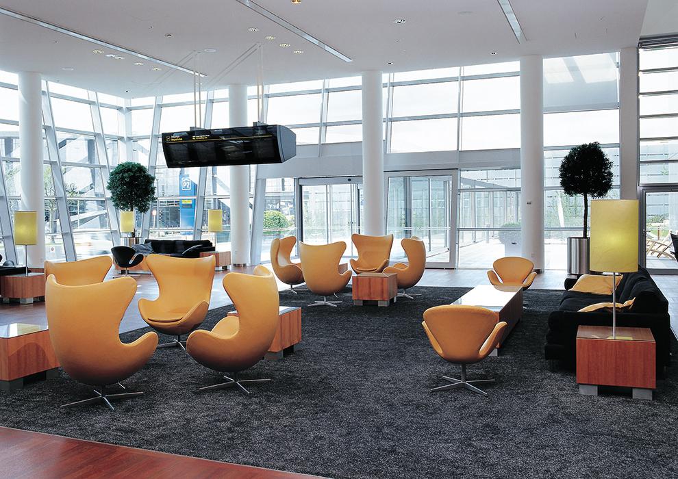 Hilton Lobby Photo Kim Ahm.jpg